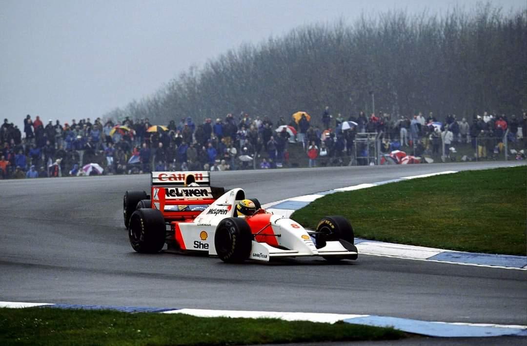 F.1 DONINGTON 93 Mentre Senna faceva la storia, noi cercavamo un bagno…