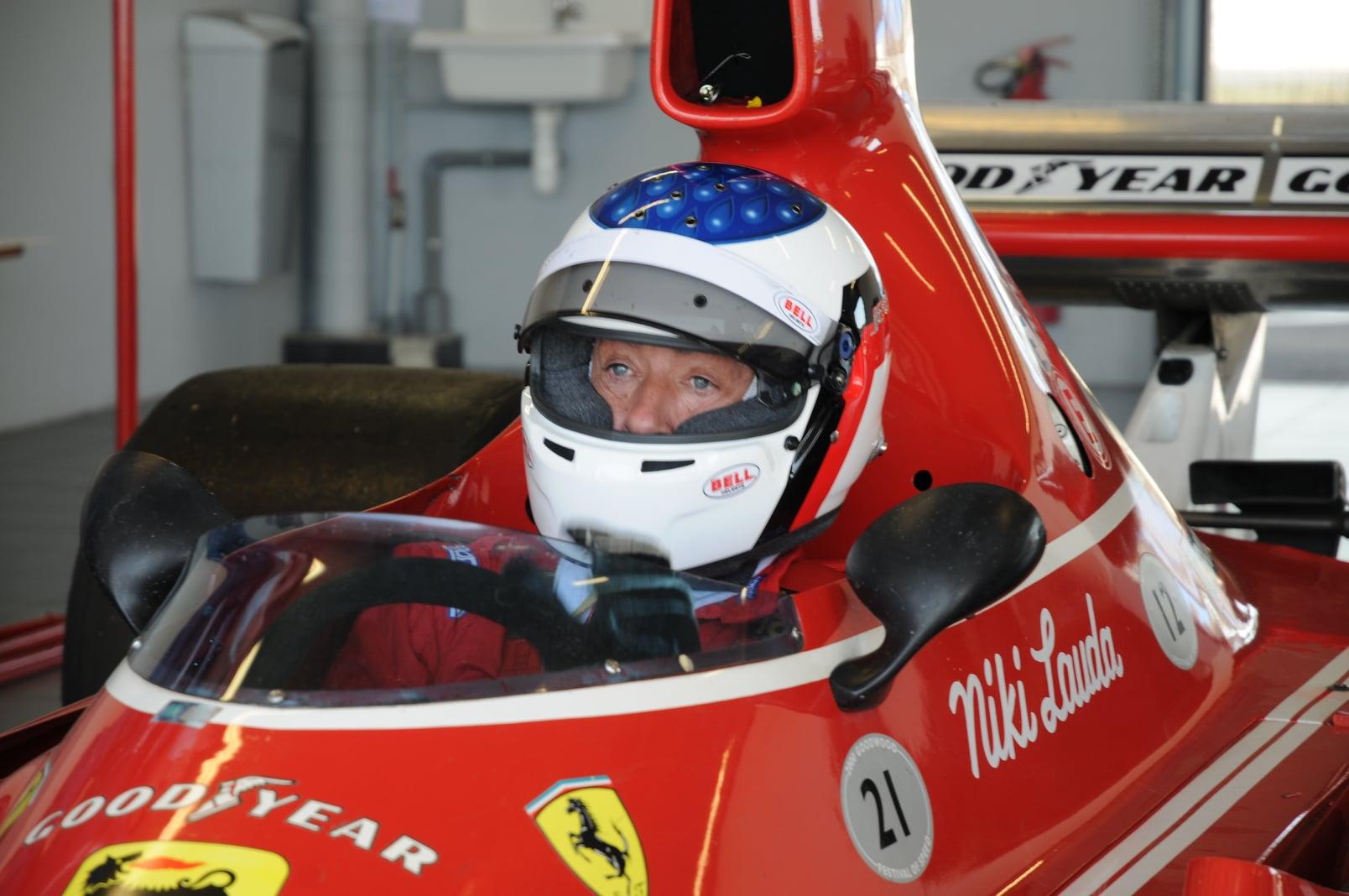 F.1 GP MONTECARLO STORICO Jean Alesi in pista con la Ferrari B3 onora Niki Lauda