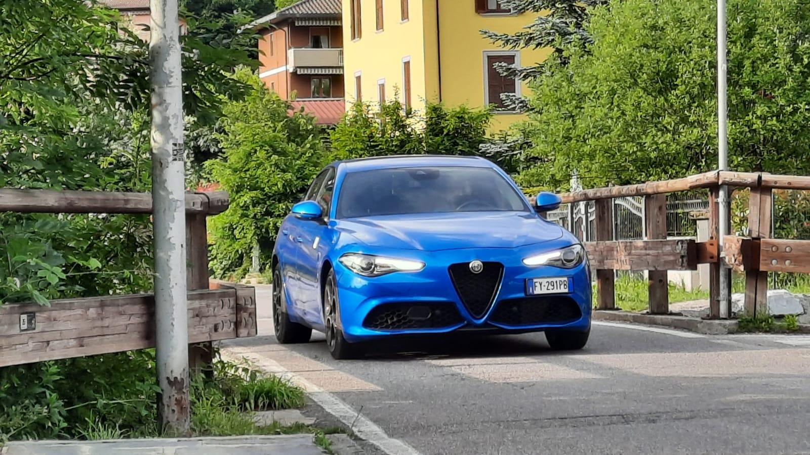 ALFA ROMEO GIULIA VELOCE Q4, col motore diesel è la stradista di lungo corso